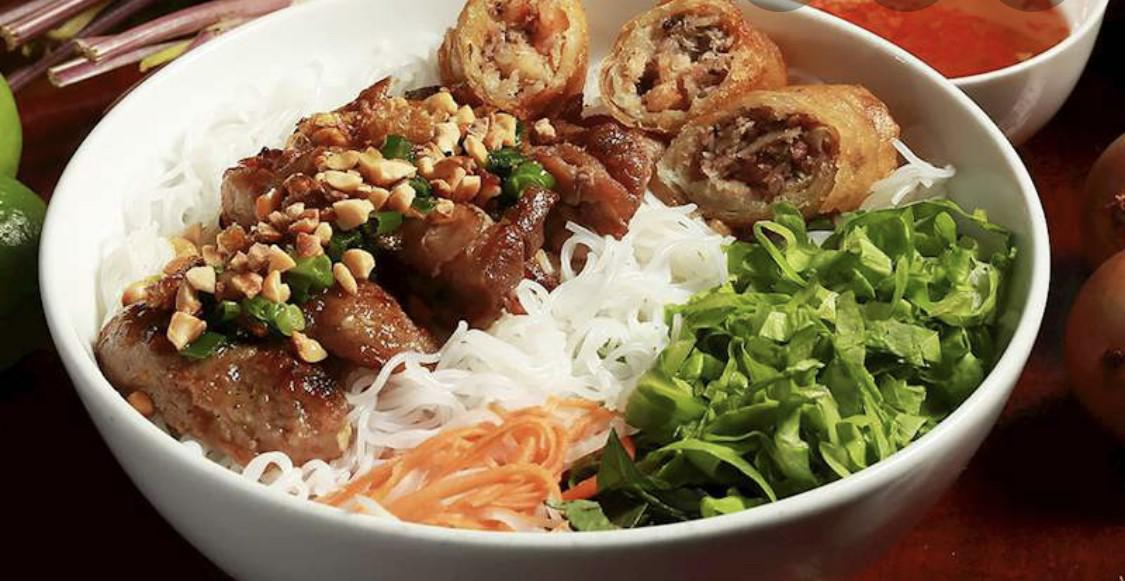 chill noodle grill pork eggroll.jpg