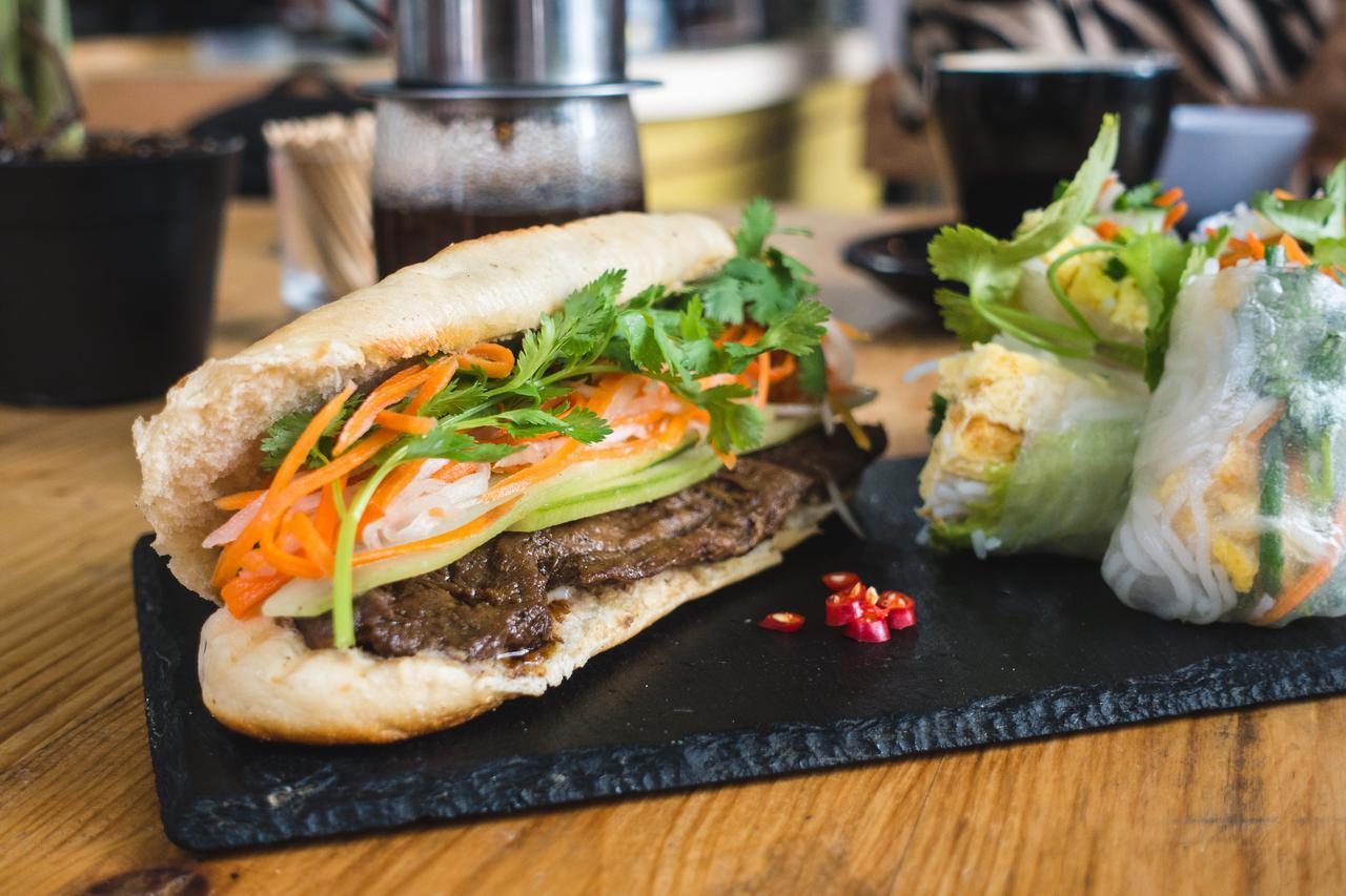 foodiesfeed.com_vietnamese-baguette-banh-mi.jpg