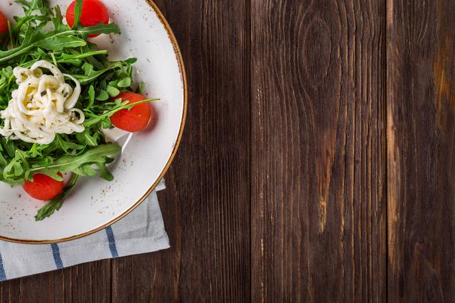 close-up-of-salad-on-table-326281.jpg