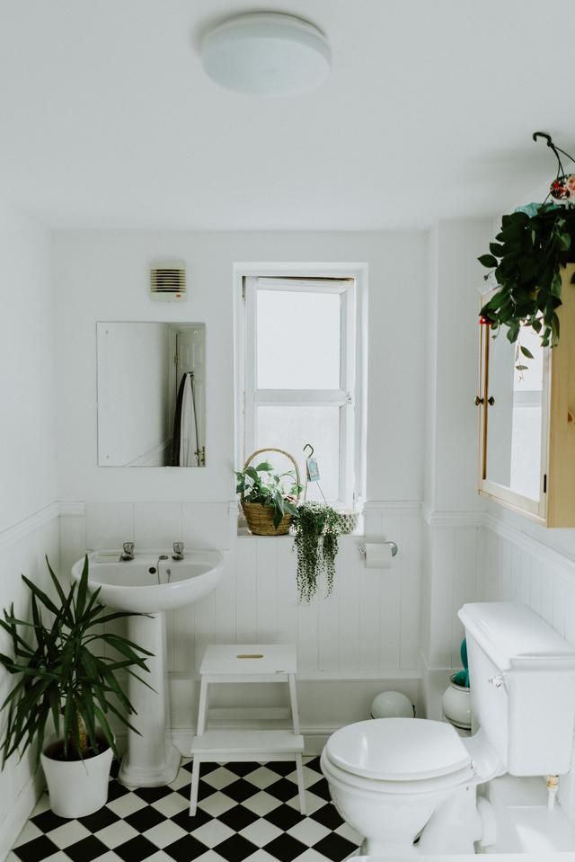 Kansas City bathroom remodel experts.