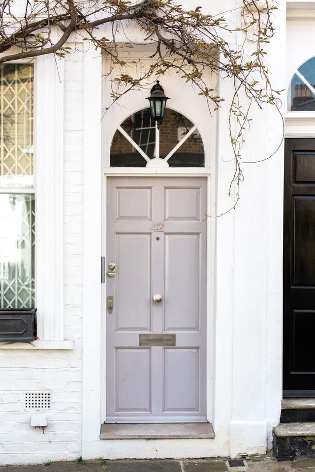A Florida paint manufacturer explains common problems with exterior door paint.