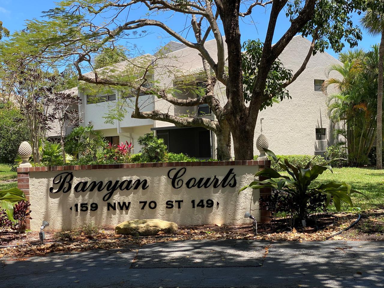 banyan courts.jpg