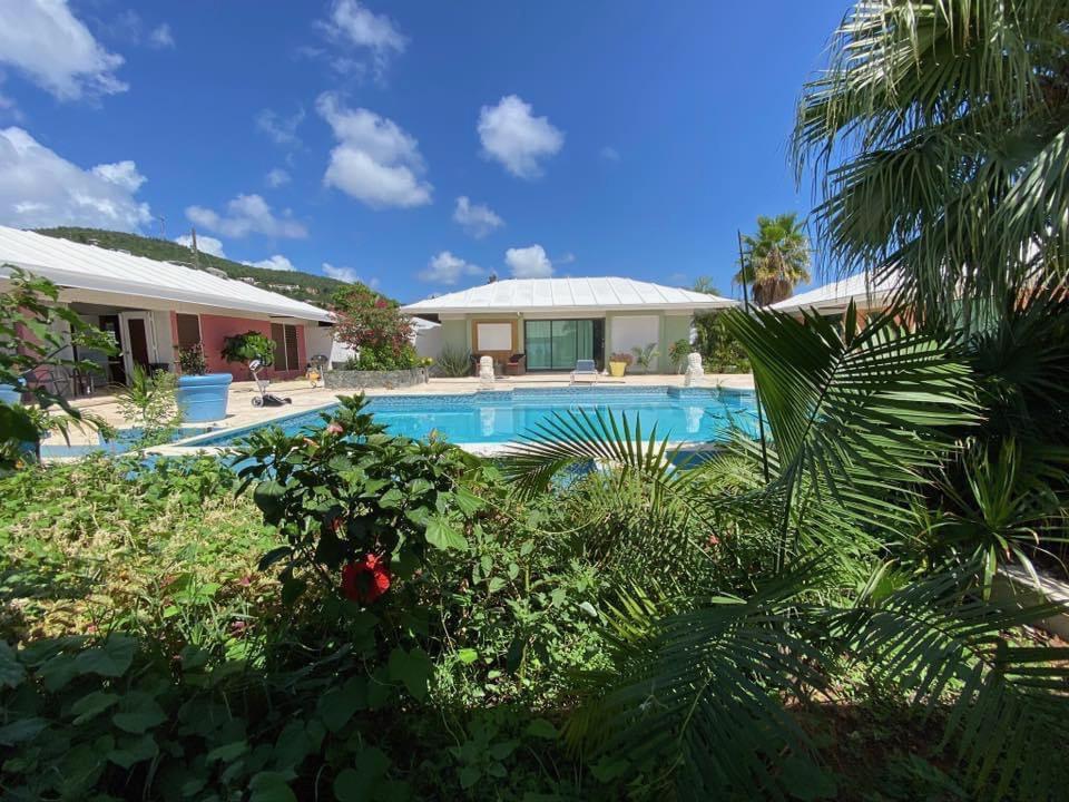 the pool at serenity overlook wedding venue in st. thomas, usvi