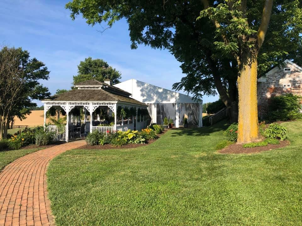 outoor scenery at walker's overlook wedding venue in walkersville, md