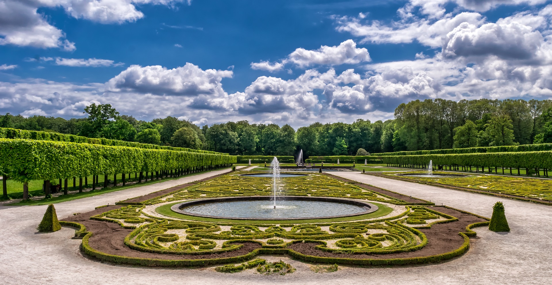 garden-2040714_1920.jpg