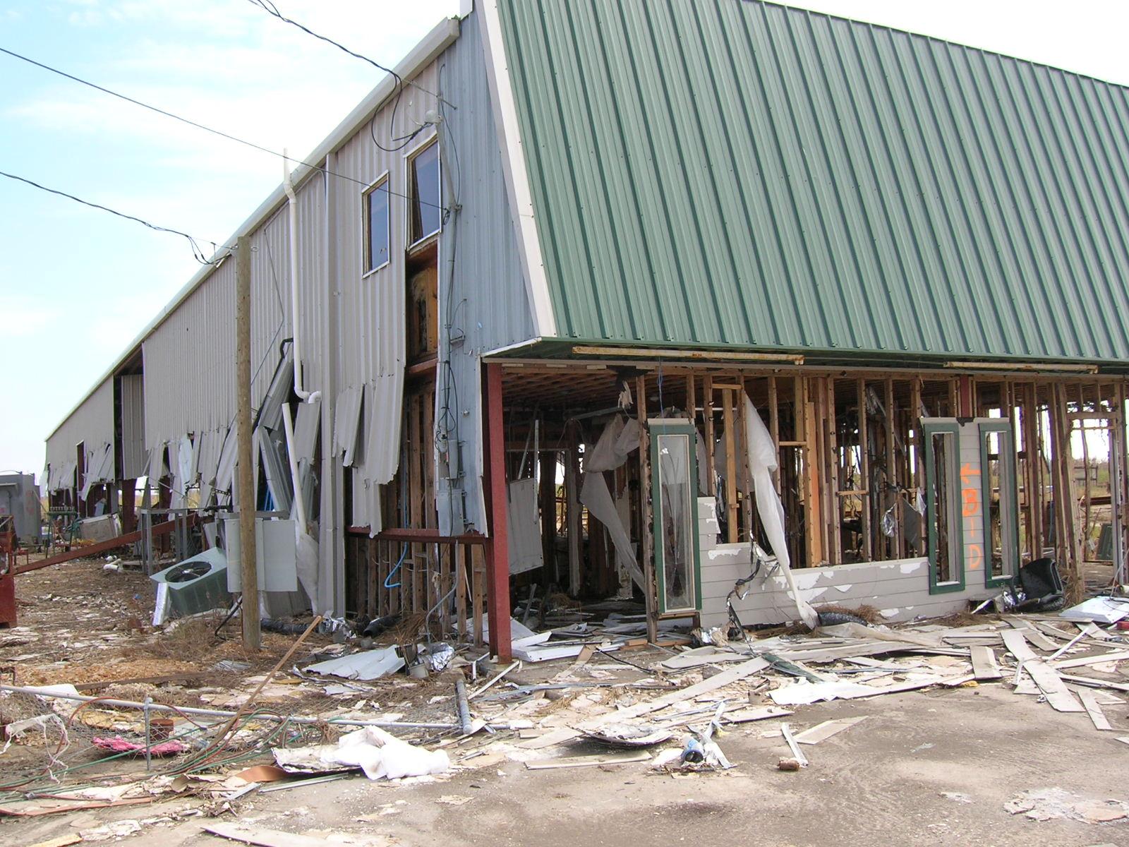 hurricane_ike_sabine_pass_tx_damaged_business.jpg