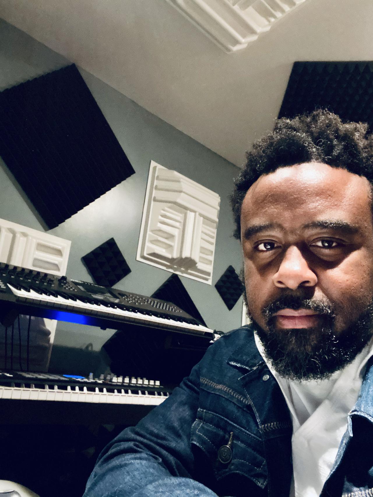 "Dave ""Davey Boy"" Lindsey - mix engineer"