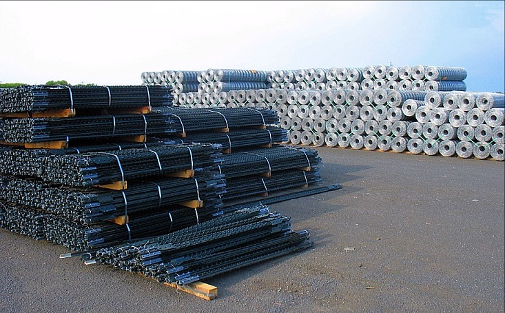 T-Posts, Rolls of Various Types of Fence