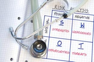 physician leaders, doctors as leaders