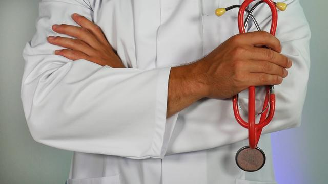Can I see any doctor with Medicare?