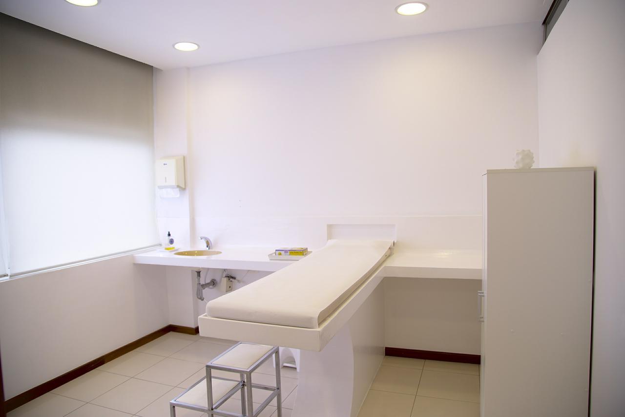 treatment-room-548143_1920.jpg