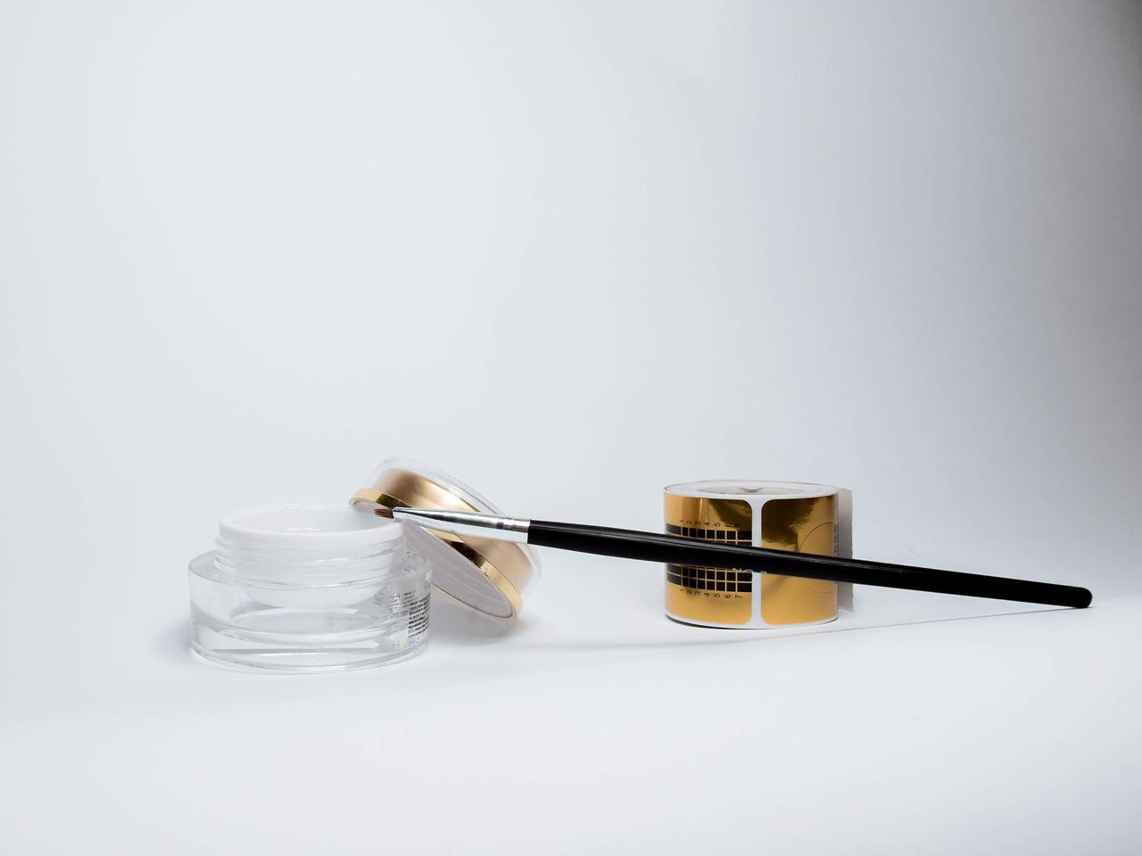brush-close-up-cosmetics-414729.jpg