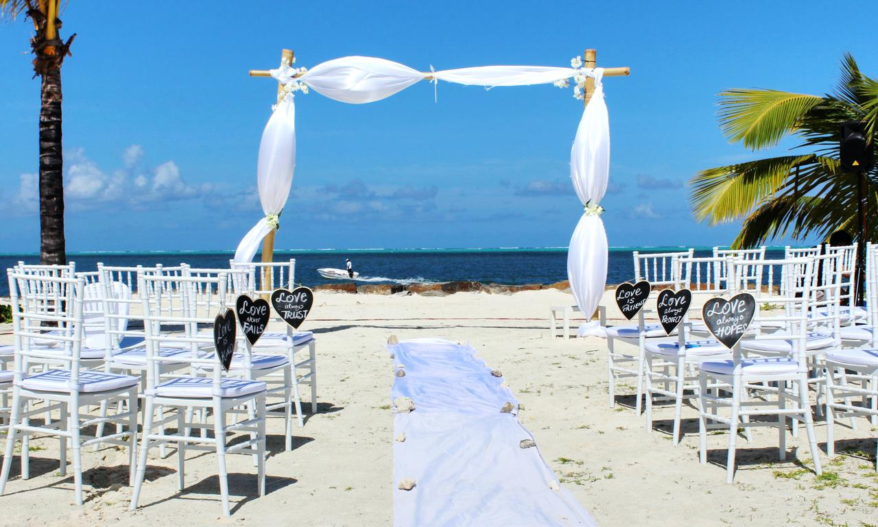 Open air wedding in Mauritius