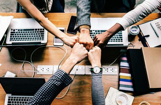 DevLeague Diversity Scholarship pzzwiy