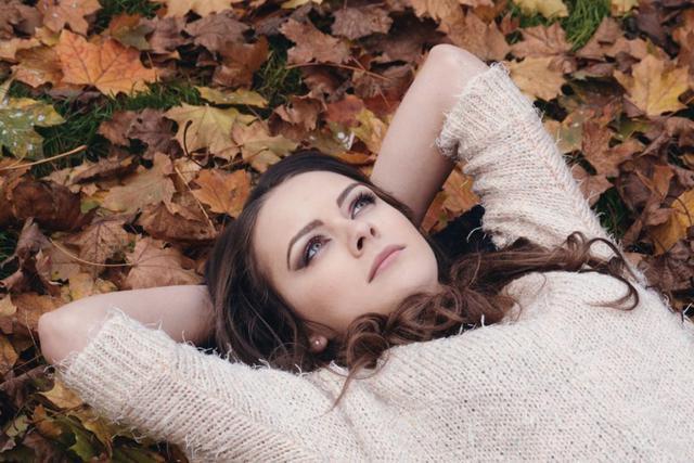 beautiful-girl-2003647_1920-1150x767-1024x683 (1).jpg