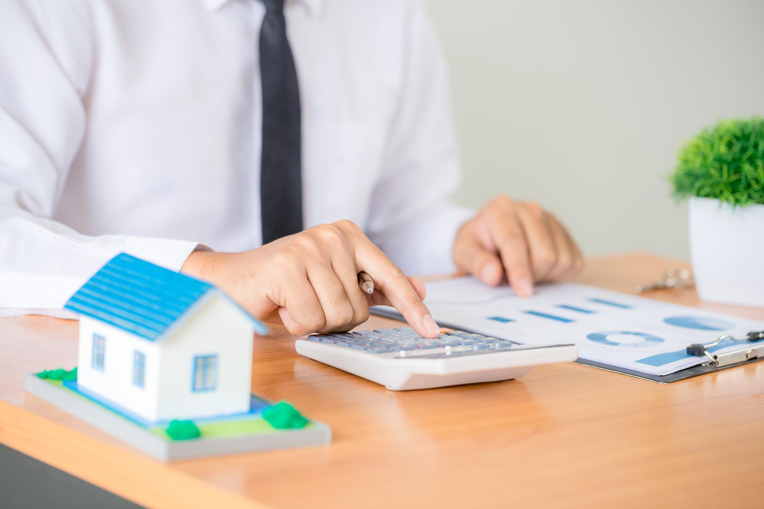 real-estate-broker-agent-presenting-consult-customer-decision-making-sign-insurance-form-agreement.jpg