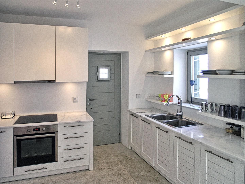 houset-kitchen.jpg