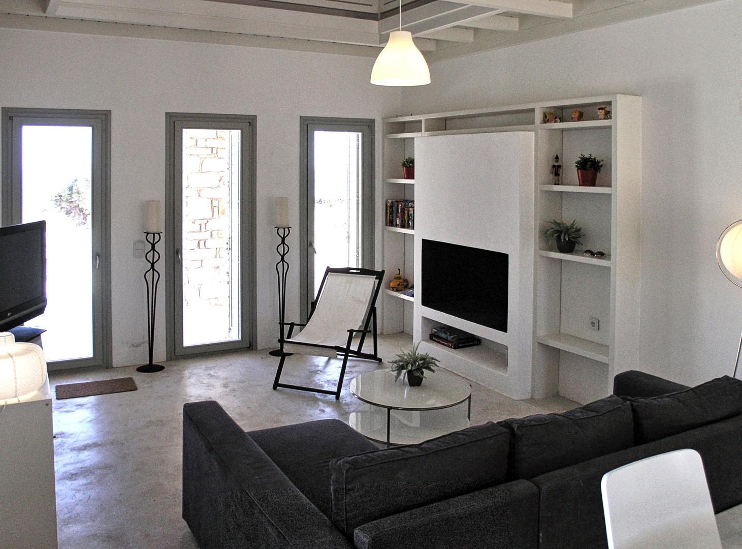 houset-living.jpg