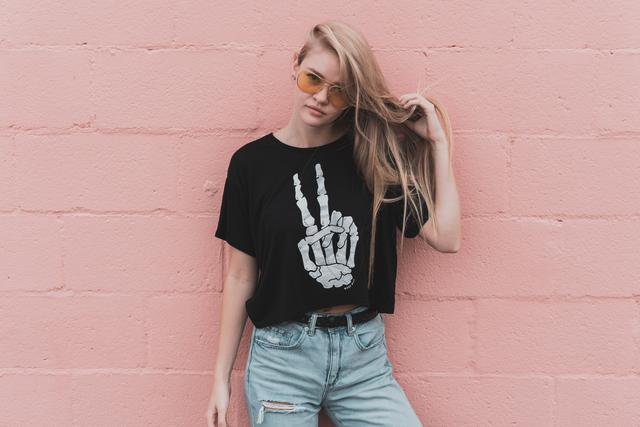 Our Los Angeles t-shirt drop shipping services can elevate your business.