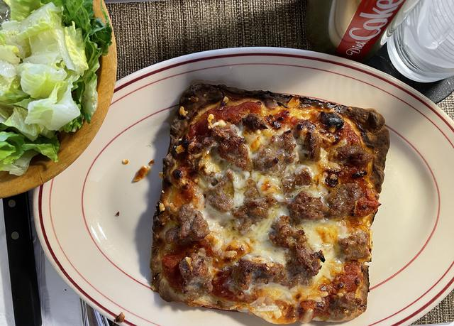 1 pizza.jpg