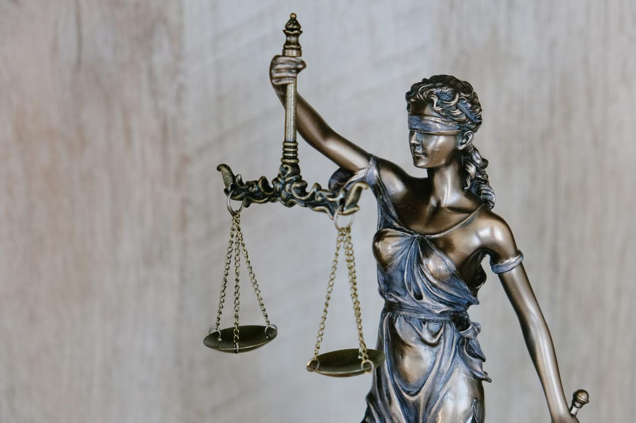 5 reasons to work with Mishra X Trial Lawyers as your federal criminal defense law firm