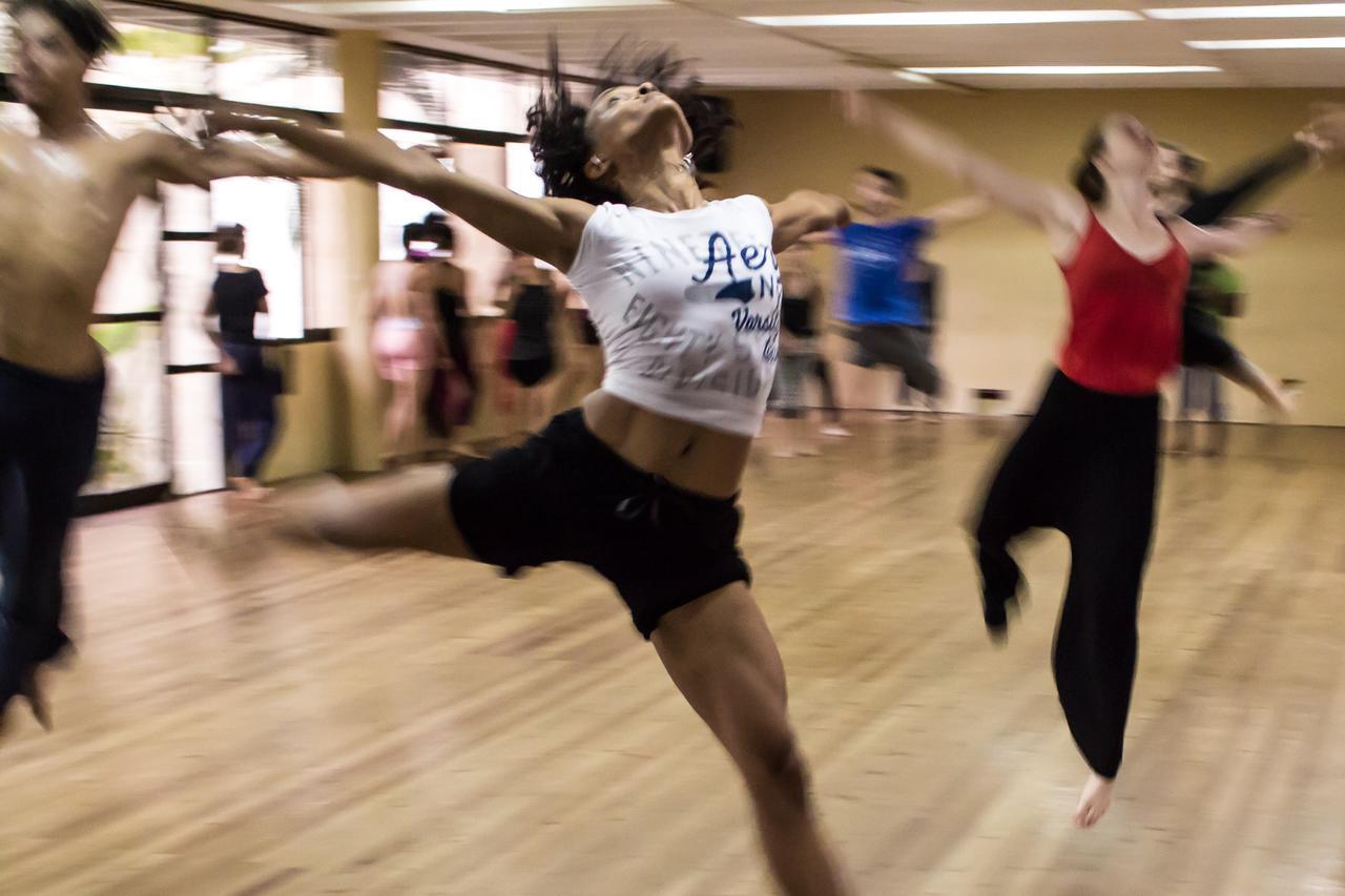 portfolio/coach-dance-dancing-12312.jpg