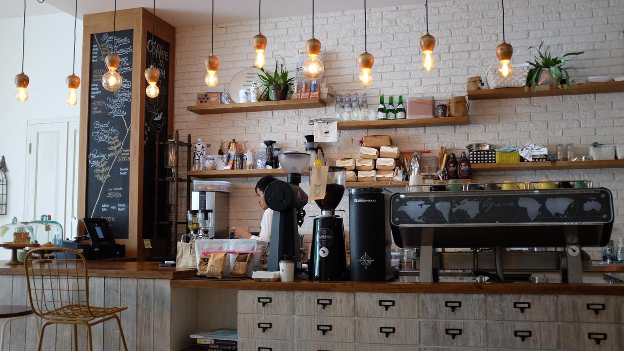 Downtown Milwaukie cafe.