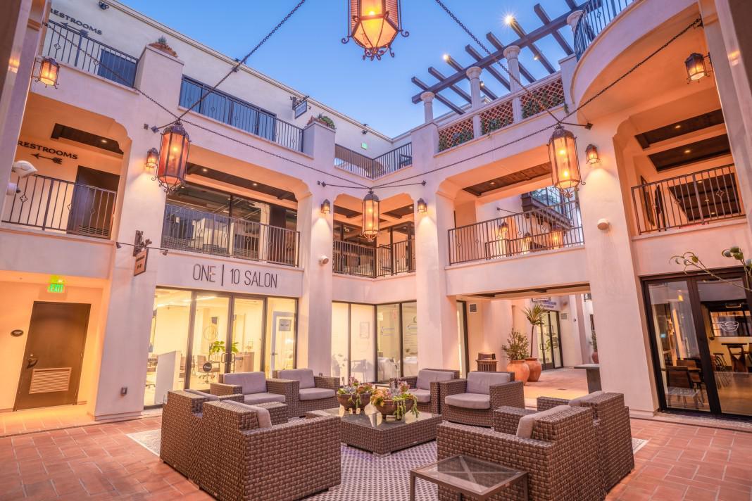 Luxury shopping near La Jolla at La Plaza.
