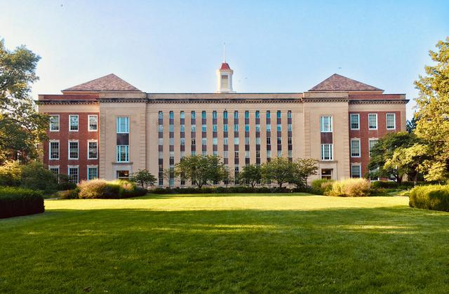 College prep guide: what to look for in a college campus