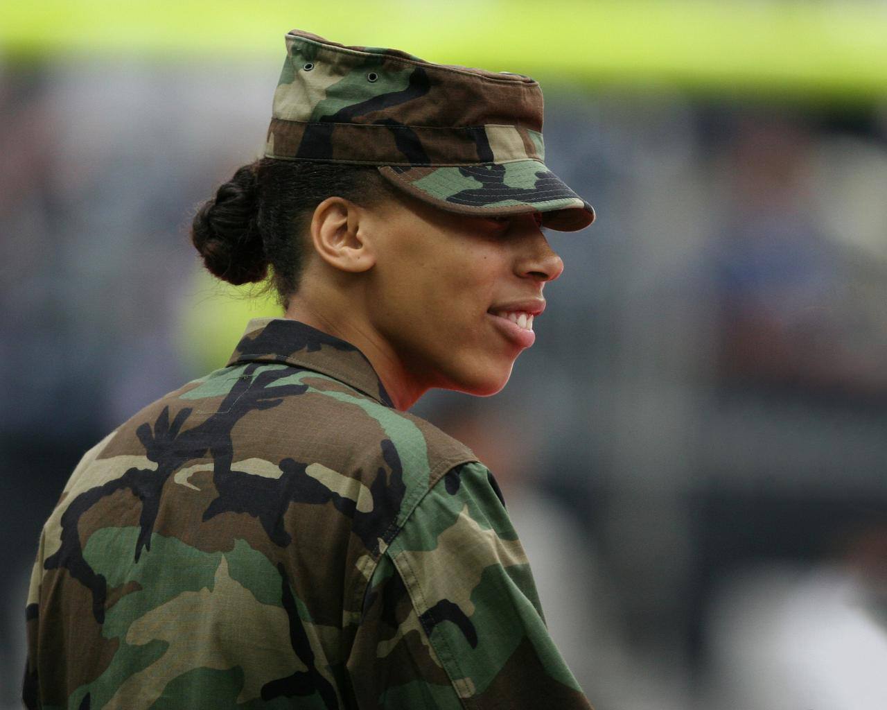Woman veteran supported by military women nonprofits.