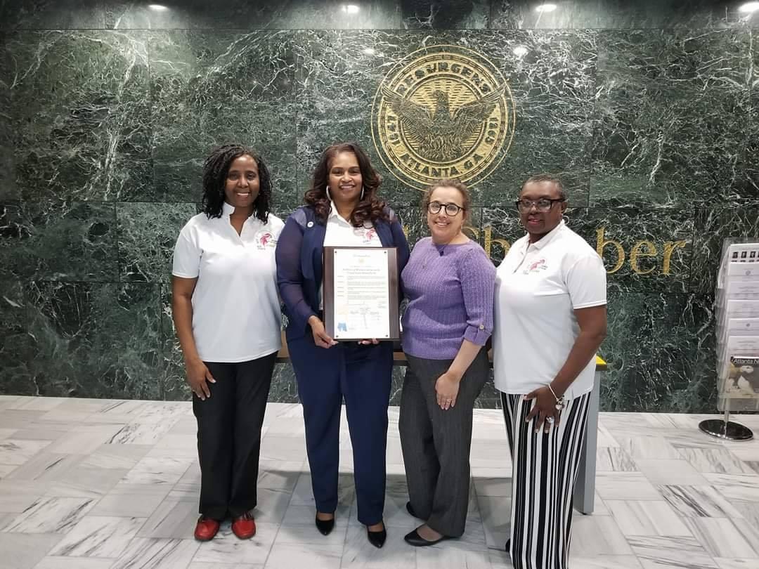 Women Veteran Social Justice Sr Ambassadors and board members accepting