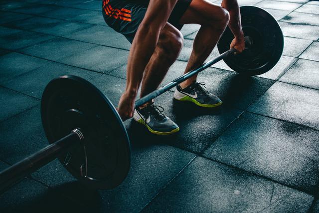 1569562094-action-athlete-barbell-841130.jpg