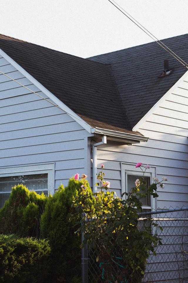 When to get a Monroe roof replacement vs. repair