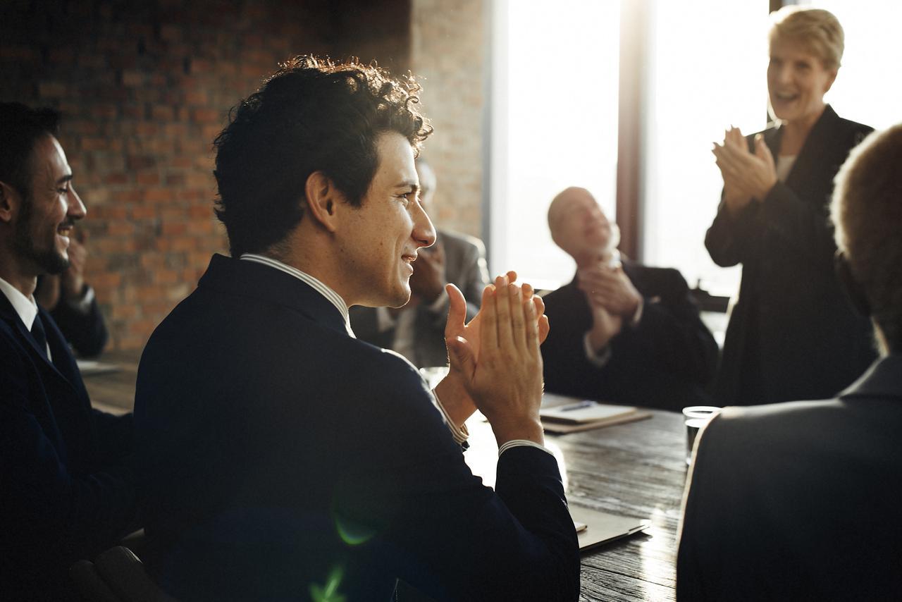 meeting-corporate-success-brainstorming-teamwork-pst8gam.jpg