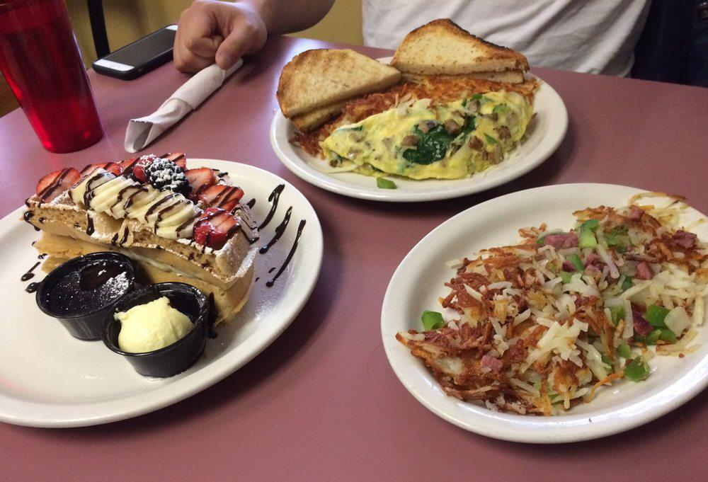 Try the best breakfast and lunch cafe in Plymouth, MI.
