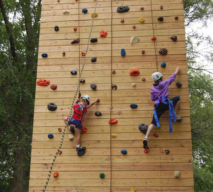 Horizontal Wood Climbing Tower