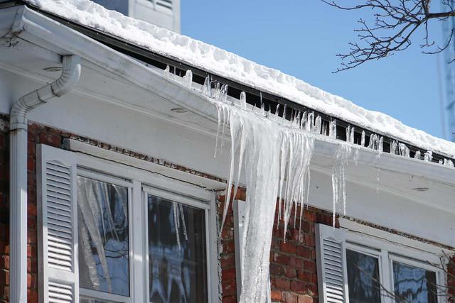 winter-gutter-damage.jpg