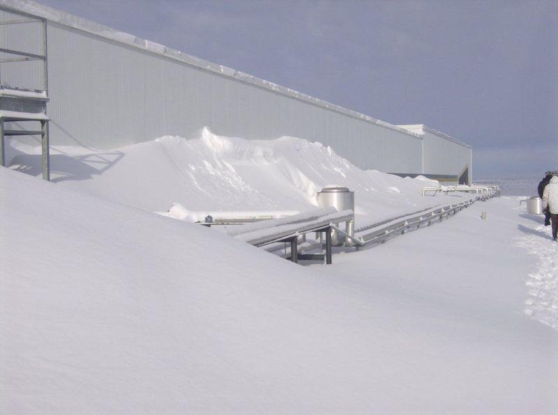 flat-roof-snow-load.jpg