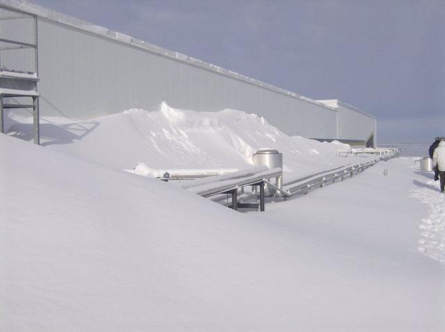 flat-roof-snow-load.jpg