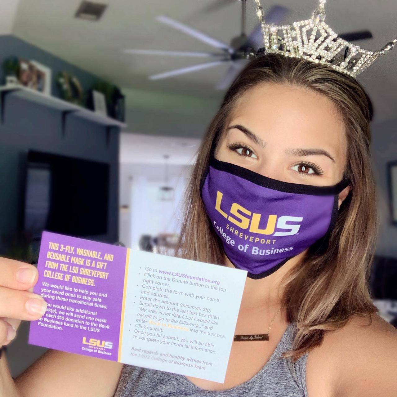 LSUS College of Business provides free masks to students