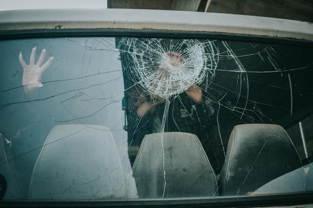 It's impotant to take your mobile auto glass repair in Detroit, MI seriously. Failing to do so is inviting in hazards and unnecessary risk.
