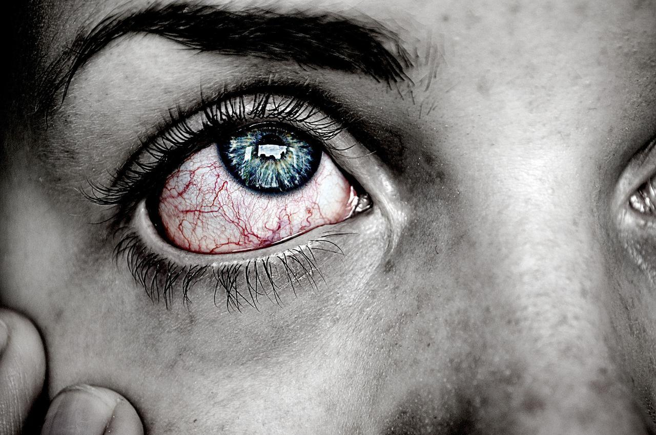 Eye exams from Phoenix, AZ optometrists can identify chronic and emergent problems.