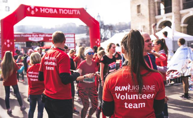 Volunteers at a fundraising race for an organization that uses nonprofit accounting services.