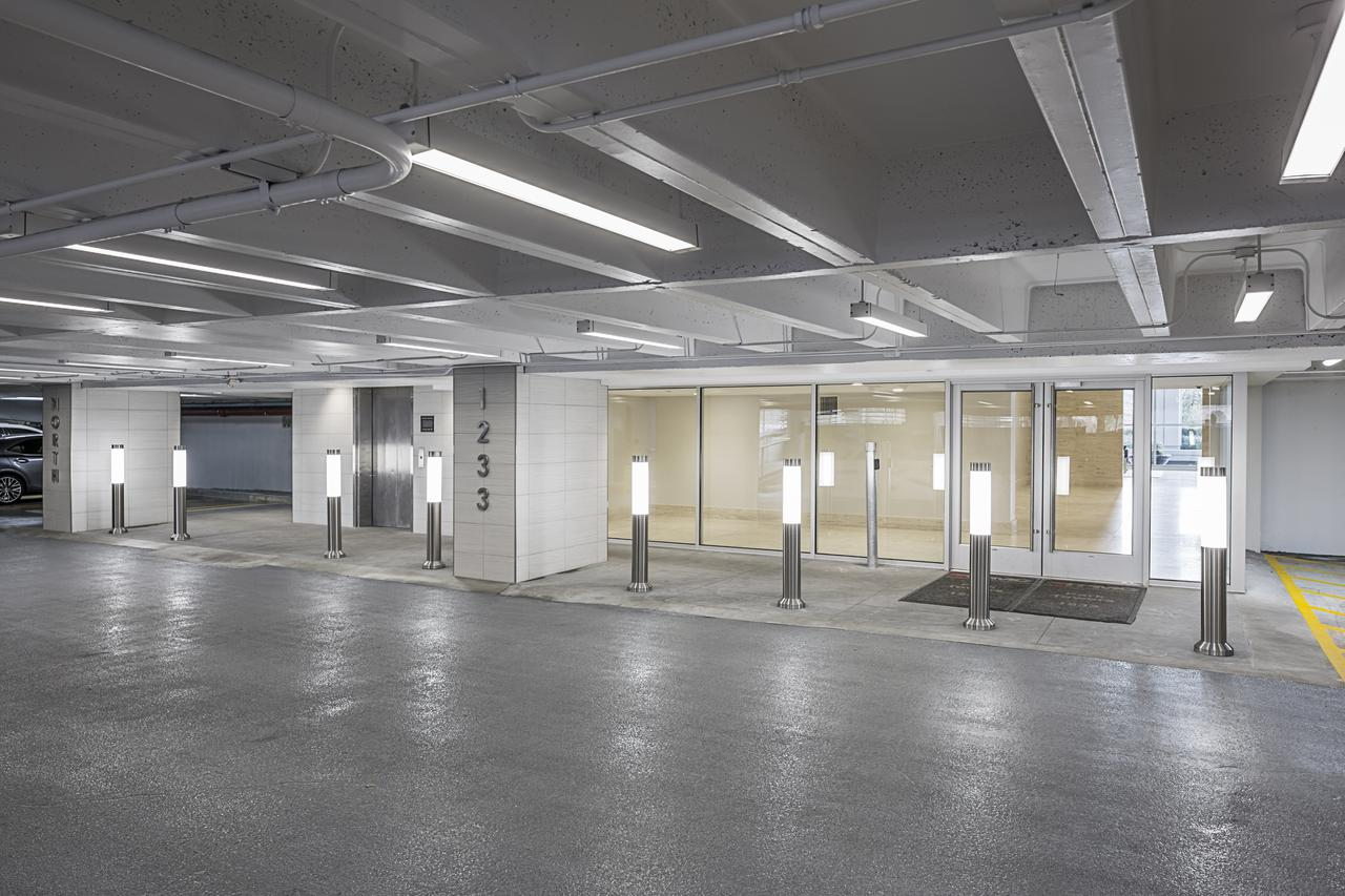 Our private offices in the West Loop offer covered parking.