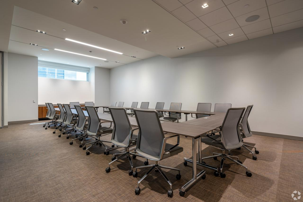 1233-west-loop-s-houston-tx-conference-area-1-13-largehighdefinition.jpeg