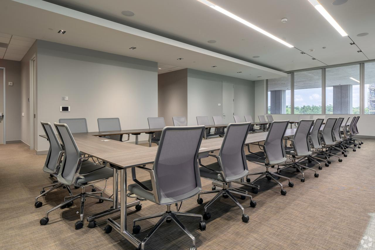 1233-west-loop-s-houston-tx-conference-area-2-11-largehighdefinition.jpeg