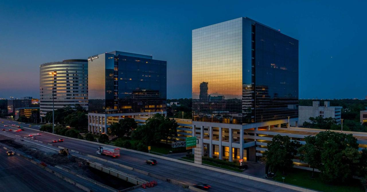 Contact us for corporate offices with luxury amenities in the West Loop, Houston.