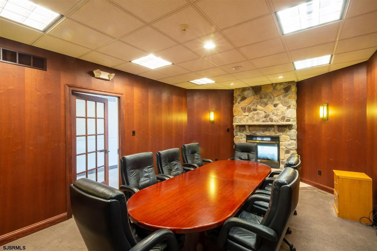 galloway-new-jersey-commercial-cleaning-offices.jpg