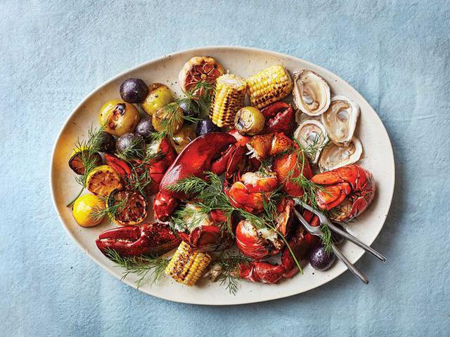 Lobster Boil Family Platter.jpg