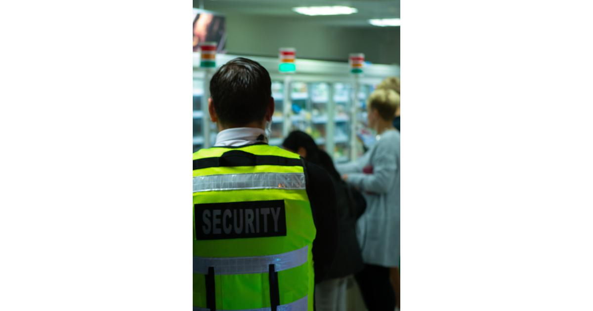 How to become a licensed security guard in Ontario, Canada